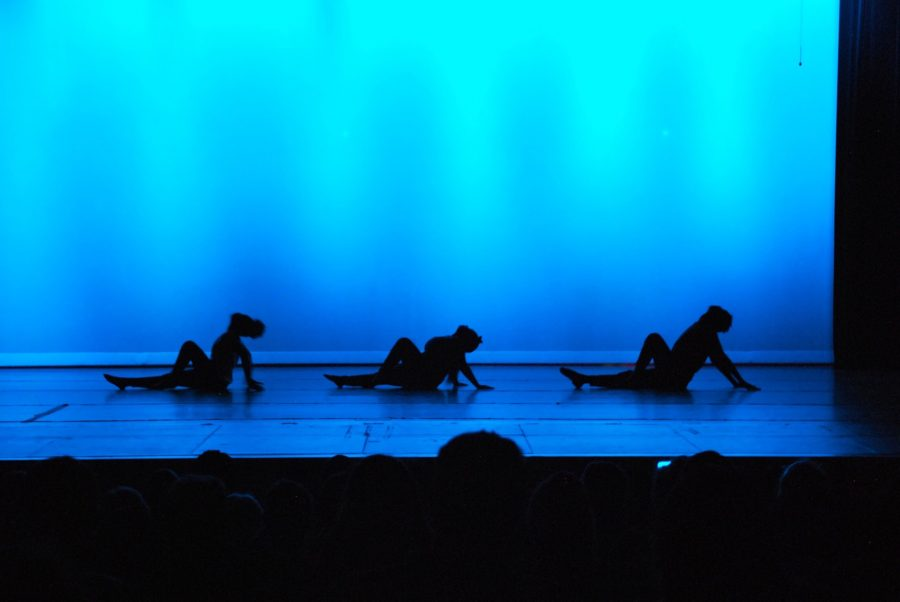 Wando Dance Puts on Fall Concert