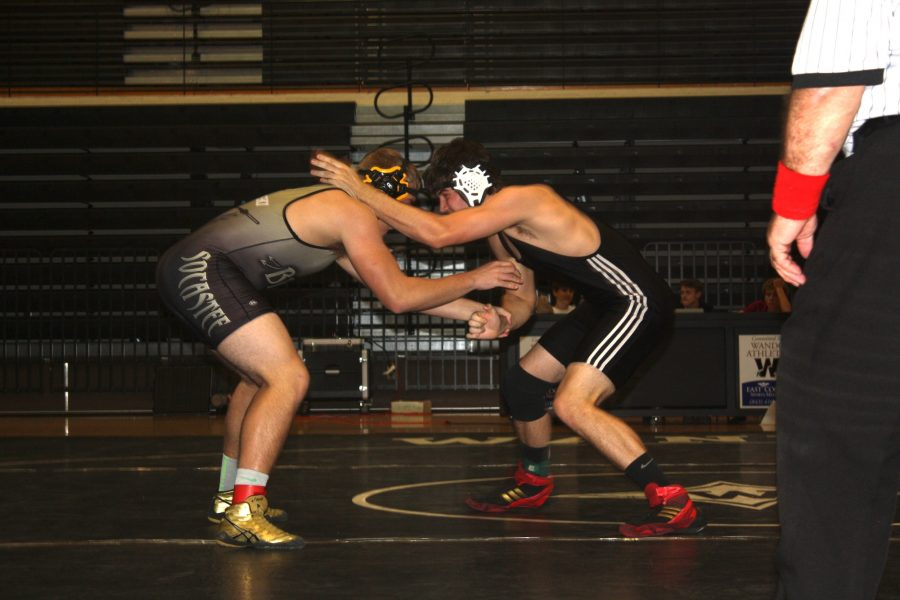 Warriors Wrestling Moves on to Third Round of Playoffs