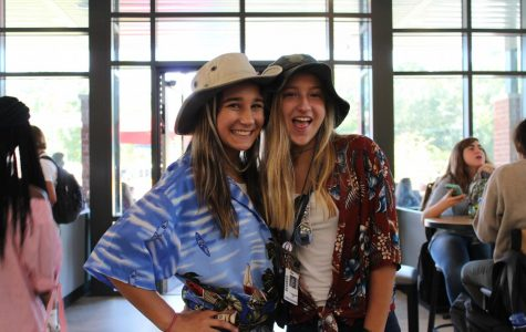 """Homecoming Week: Tuesday, Sept. 26 """"Twin Day"""""""