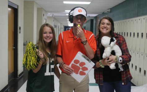 Spirit Week (10/2): Totally Obsessed Tuesday