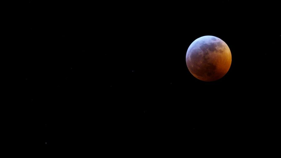 The+final+stages+of+the+total+Lunar+Eclipse