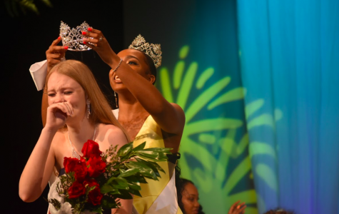 Emma Ridenhour is crowned Miss Wando 2019