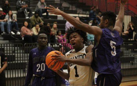 Boys basketball loses to West Ashley