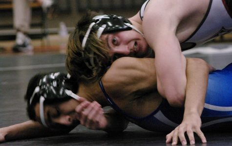 Wrestling wins first two rounds of State Team Duals