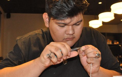 Students manufactures a business creating jewelry